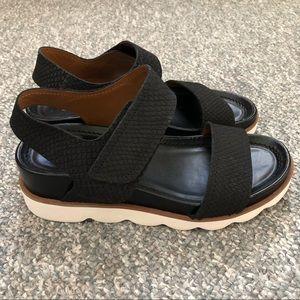 Franco Sarto India sandals black leather Size 6